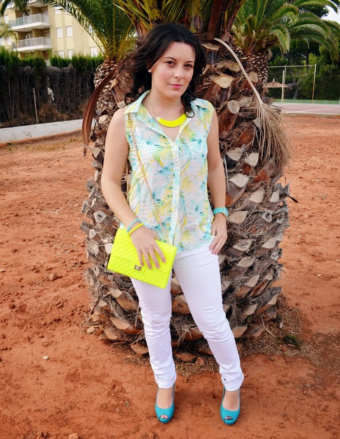 bolso flúor, tropical, 10 pavos, Castellón, fashion blogger, blog de moda,fashionista, blogger, ripped jeans