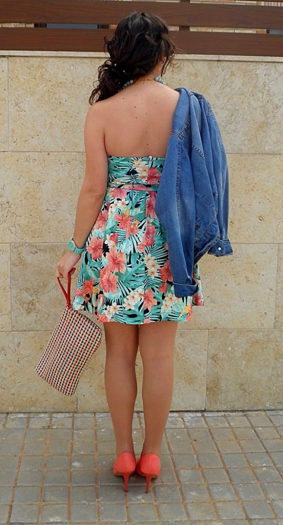 vestido tropical, stradivarius, primark, blanco, color, fashion blogger, palabra de honor, colorful, tropical dress, castellón, moda, blogger, blog de moda