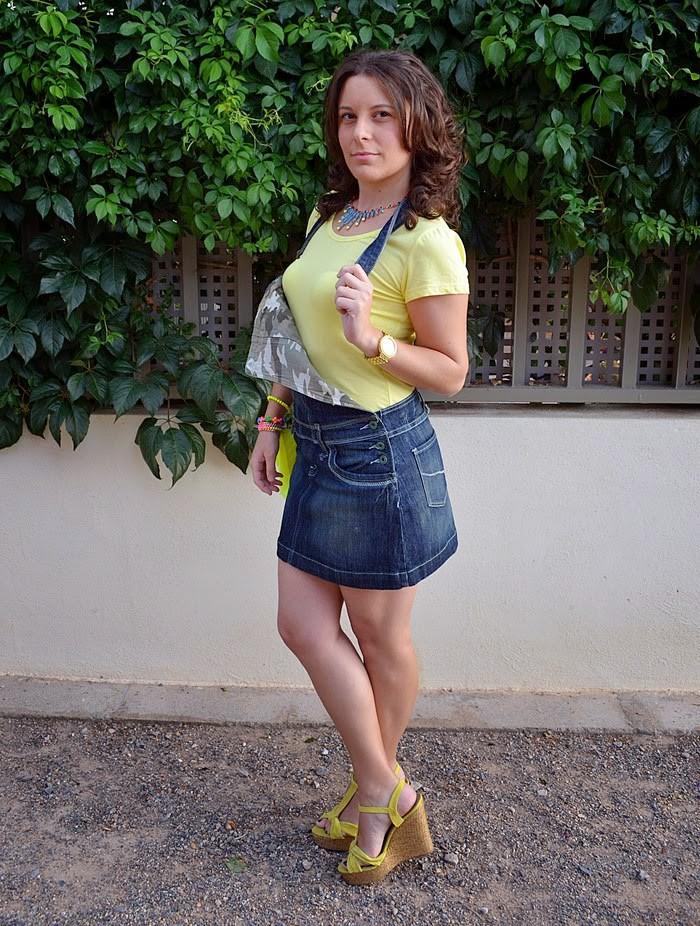 peto denim, vestido vaquero, moda, fashion blogger, castellón, primark, amarillo, blog de moda, mi vestido azul