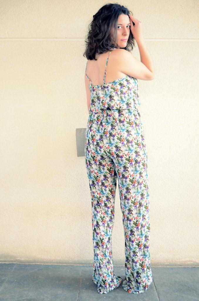 Flowers jumpsuit & Khaki trench (1)