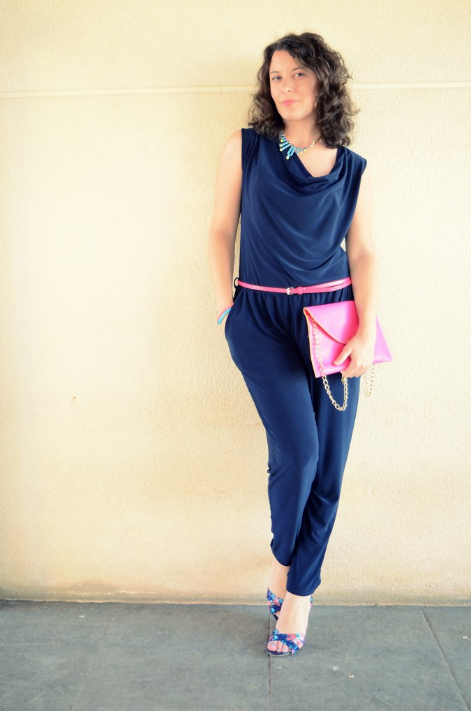 Mi vestido azul - Touch of pink (3)
