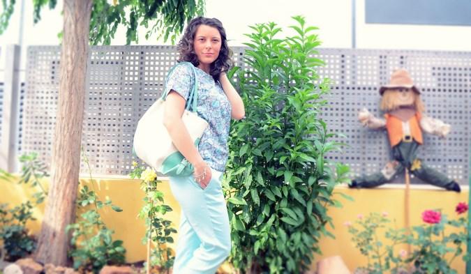 Mi vestido azul - Capri pants (1)