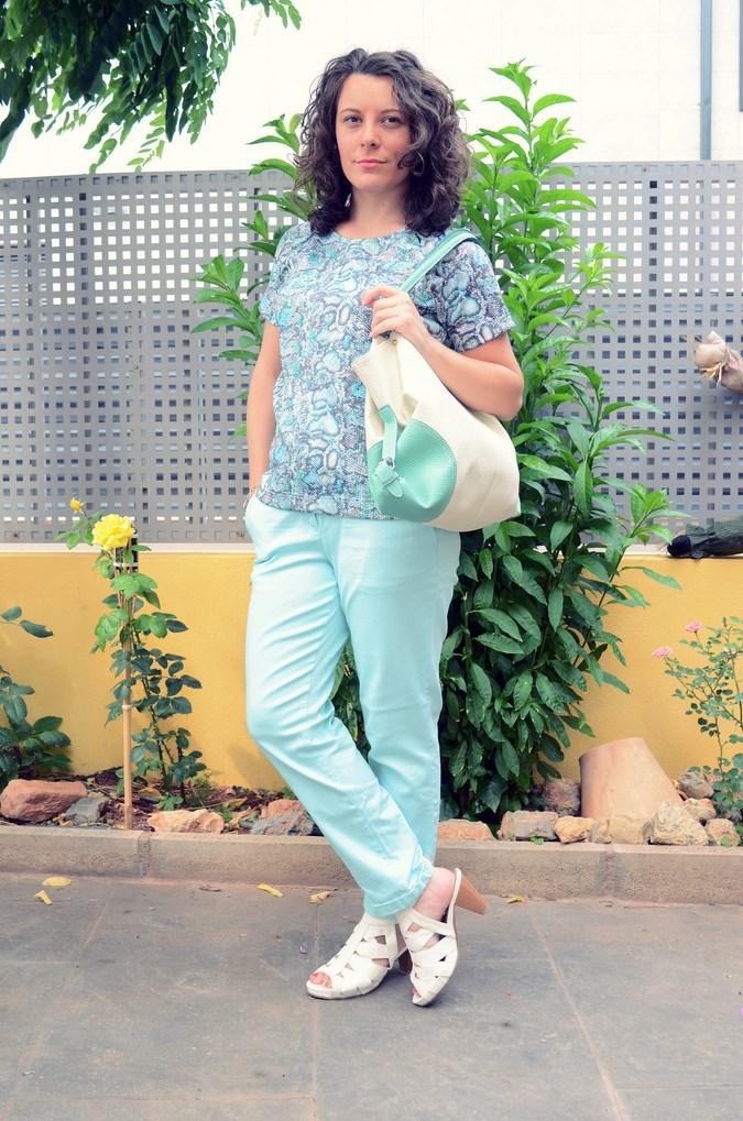 Mi vestido azul - Capri pants (14)