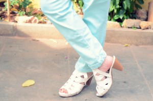 Mi vestido azul - Capri pants (2)