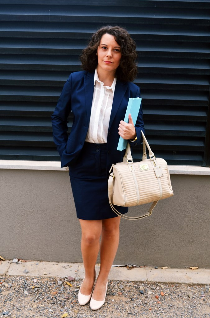 Authentic working girl (5)