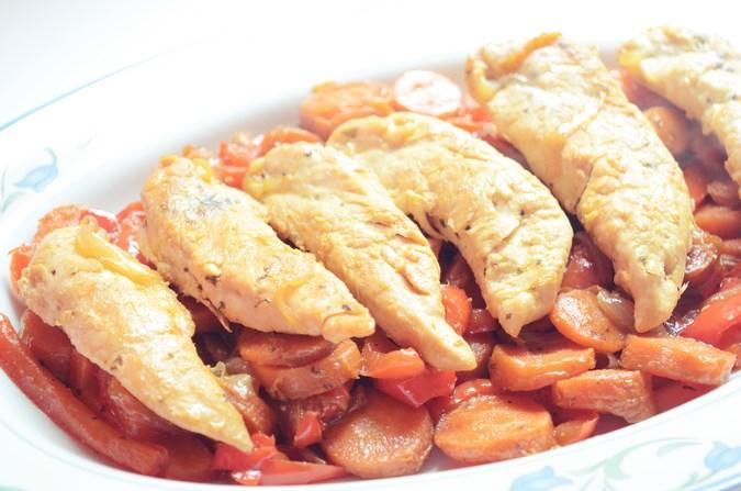 Pollo sobre cama verduras_Food_mivestidoazul (6)