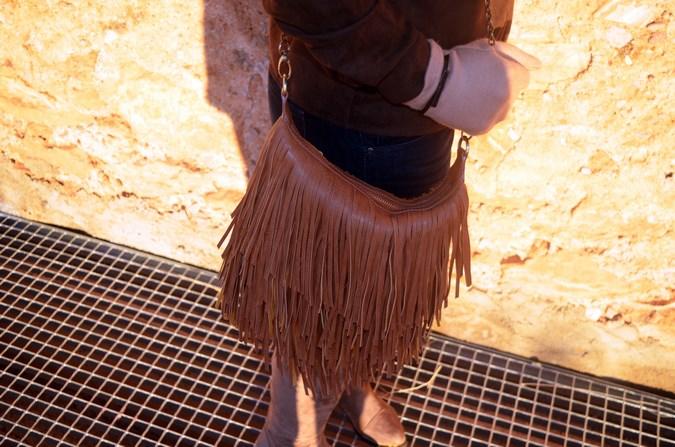 Brown look_maxiscarf_fringes_look_mivestidoazul (17)