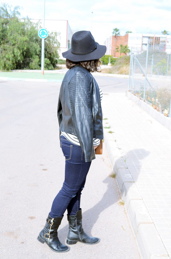 Leather and stripes_look_mivestsidoazul (14)