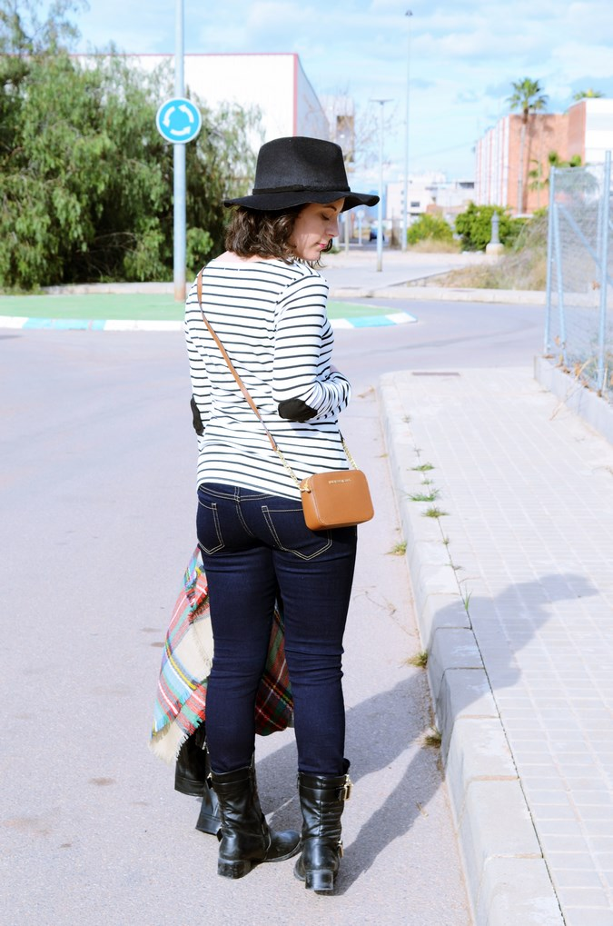 Leather and stripes_look_mivestsidoazul (8)