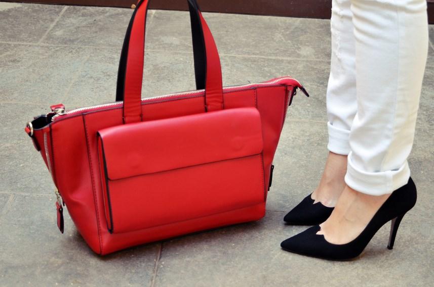 Camisa de flores y bolso rojo_Outfit_Mivestidoazul (17)