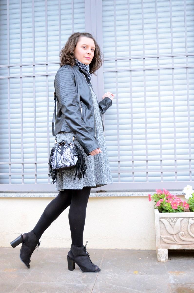 Como combinar un vestido gris_outfit_mivestidoazul (6)