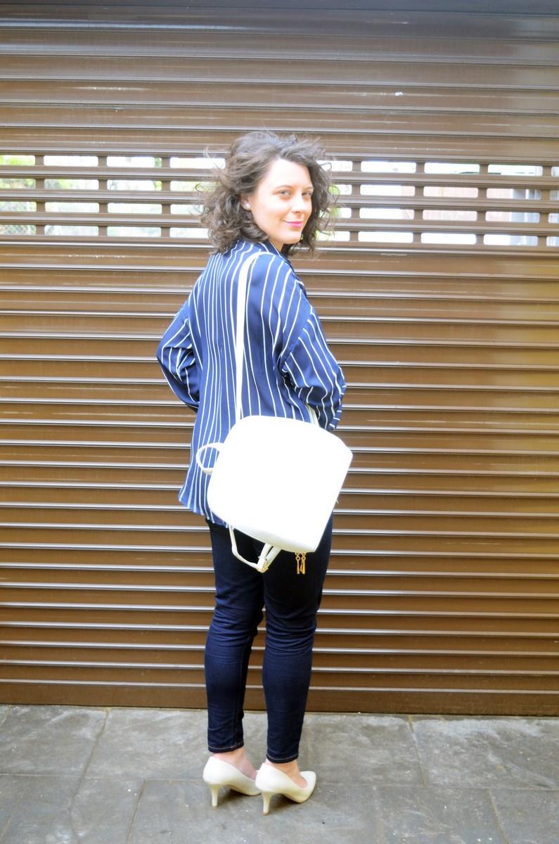 Blusa de rayas y trench_Outfit_mivestidoazul (10)