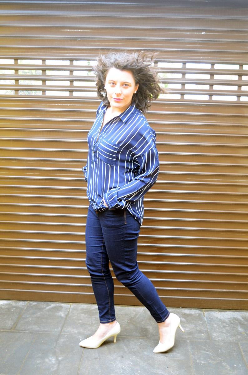 Blusa de rayas y trench_Outfit_mivestidoazul (12)