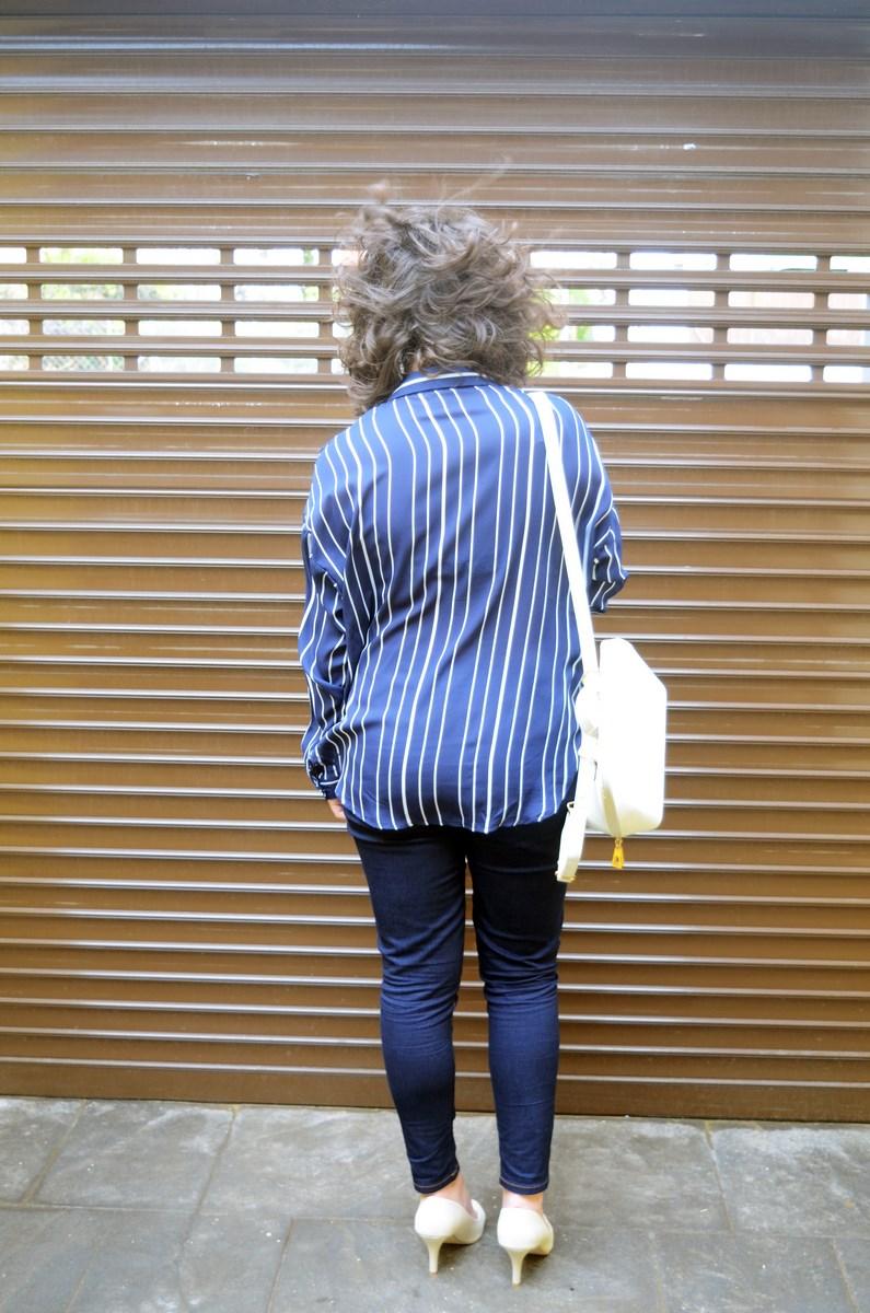 Blusa de rayas y trench_Outfit_mivestidoazul (9)