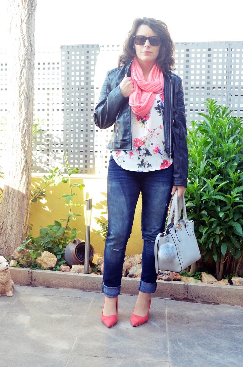 Bolso gris con tachuelas_outfit_mivestidoazul (7)