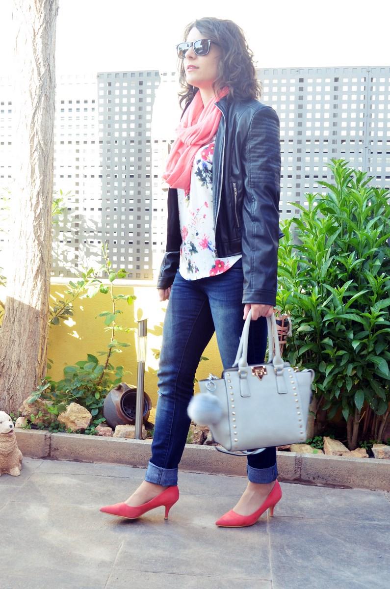 Bolso gris con tachuelas_outfit_mivestidoazul (8)