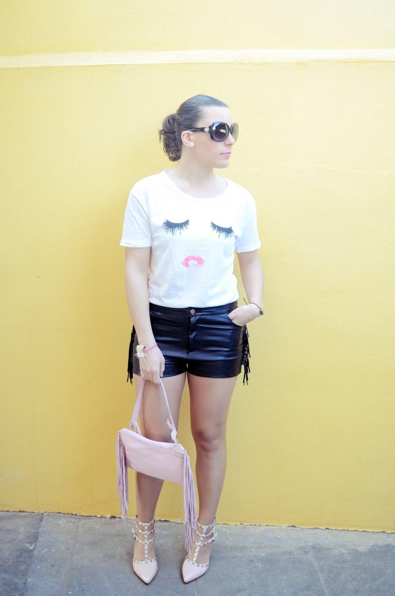 Camiseta de pestañas y labios_Outfits_mivestidoazul (1)