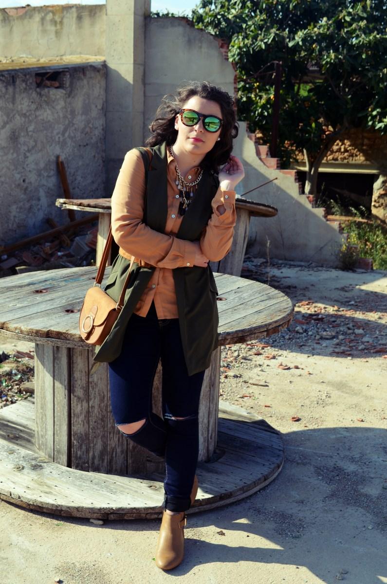 Como llevar un chaleco caqui_Outfits_mivestidoazul (1)