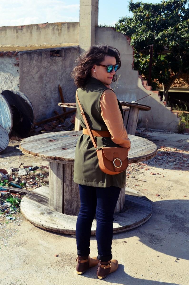Como llevar un chaleco caqui_Outfits_mivestidoazul (11)