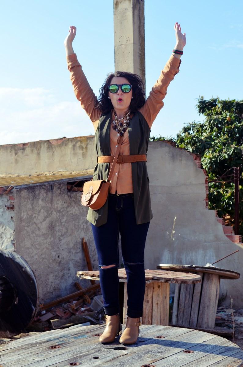 Como llevar un chaleco caqui_Outfits_mivestidoazul (22)