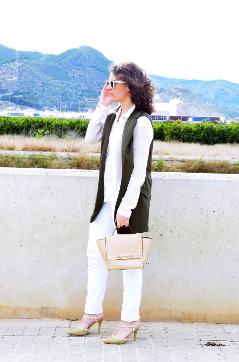Blanco y caqui_Outfit_Mivestidoazul (2)