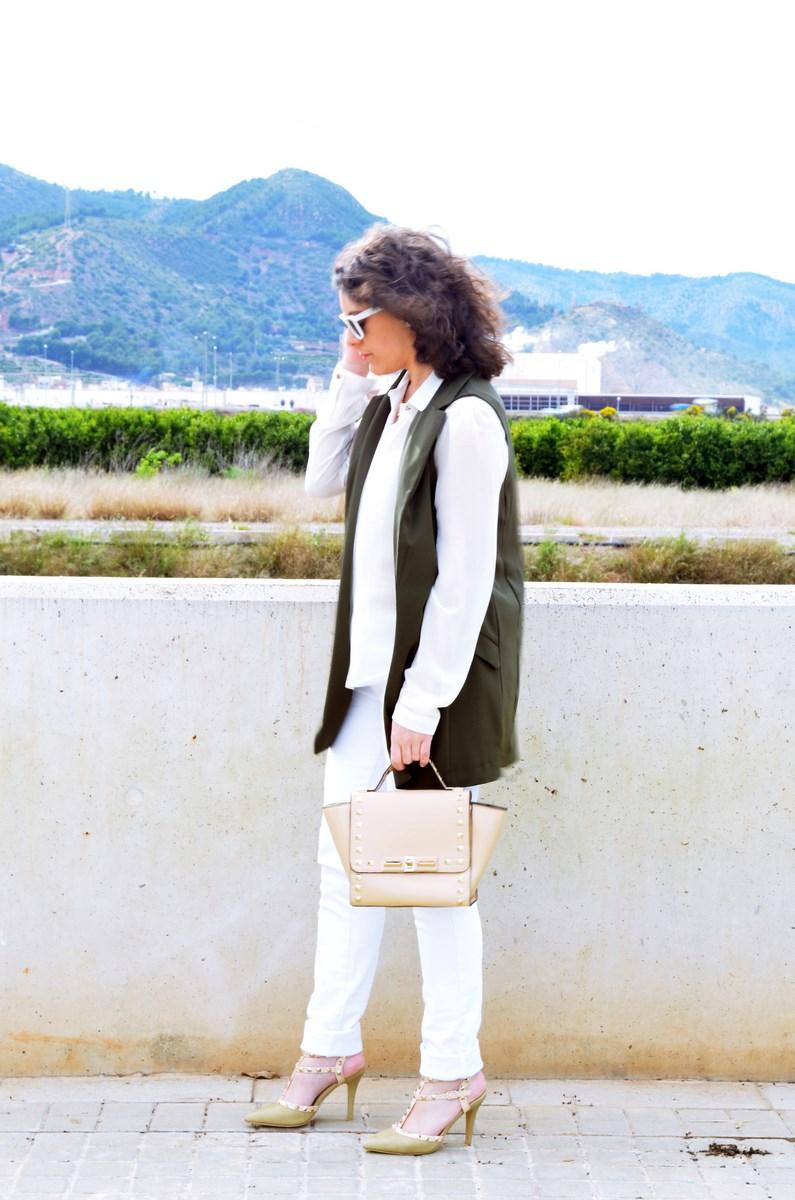 Blanco y caqui_Outfit_Mivestidoazul (3)
