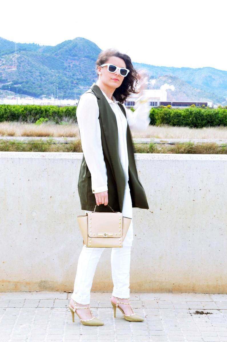 Blanco y caqui_Outfit_Mivestidoazul (6)