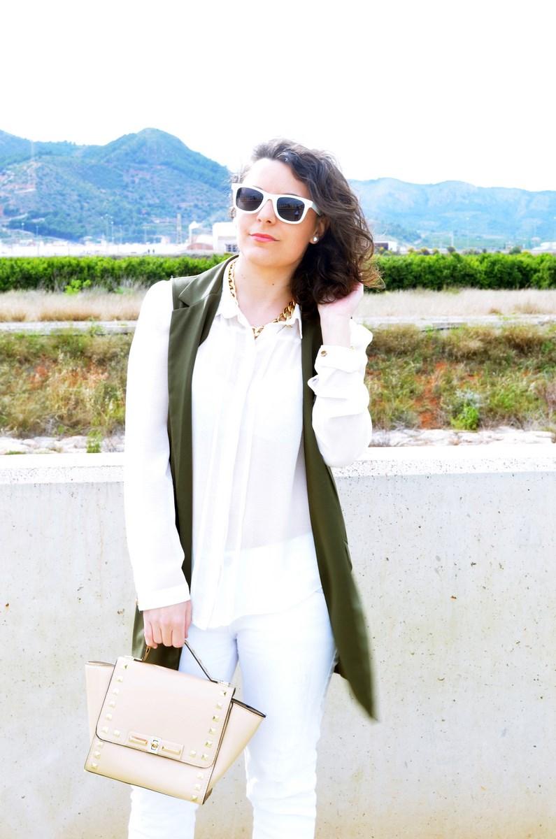 Blanco y caqui_Outfit_Mivestidoazul (9)
