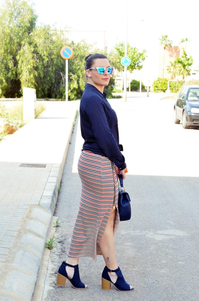 Maxifalda_rayas_y_azul_marino_Outfits_mivestidoazul (13)