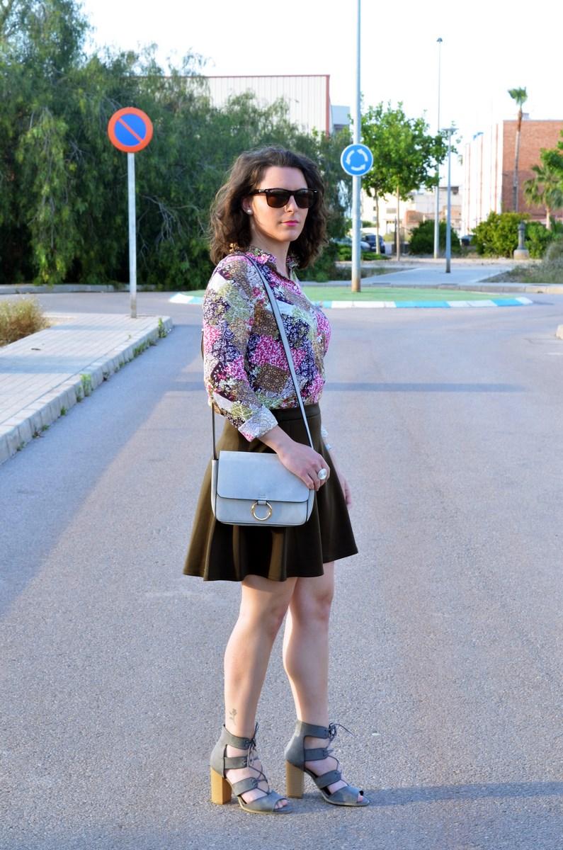 Verde caqui y gris_outfit_mivestidoazul (3)
