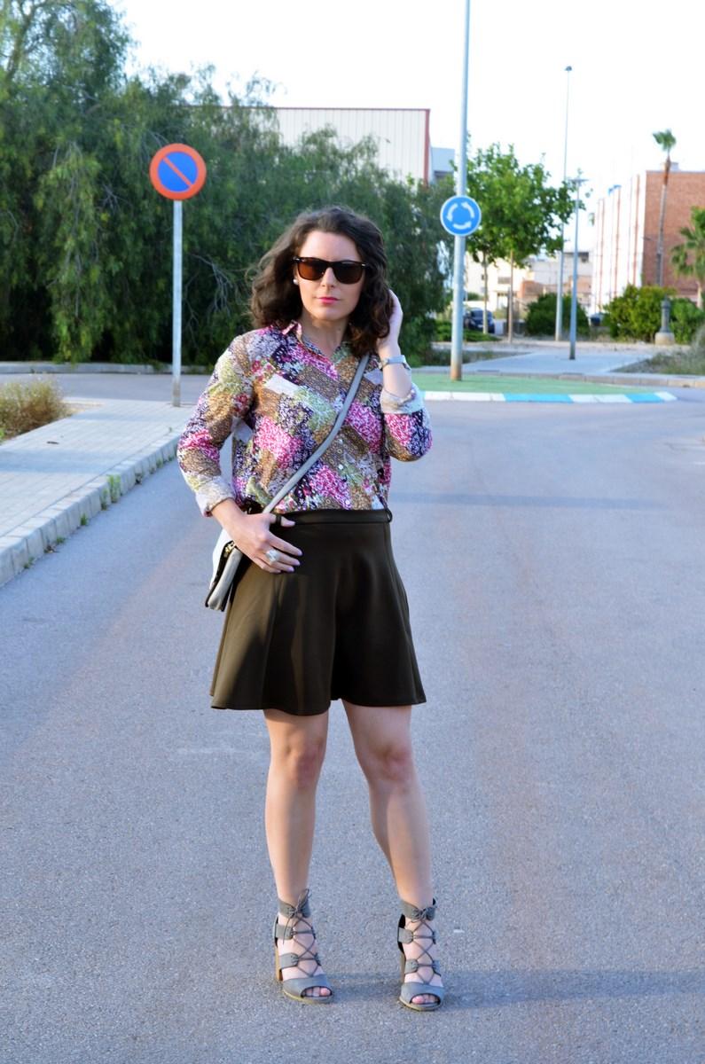 Verde caqui y gris_outfit_mivestidoazul (5)