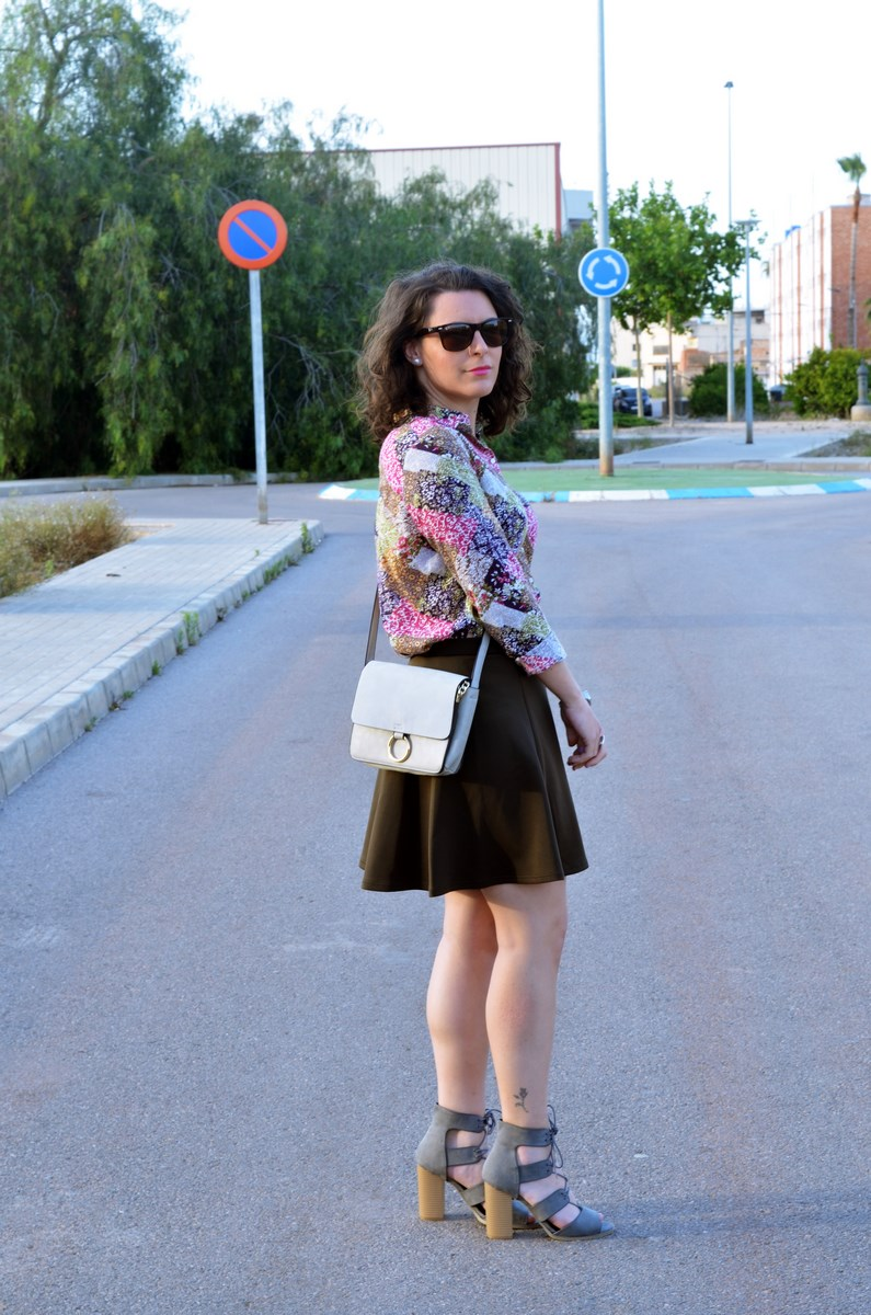 Verde caqui y gris_outfit_mivestidoazul (6)