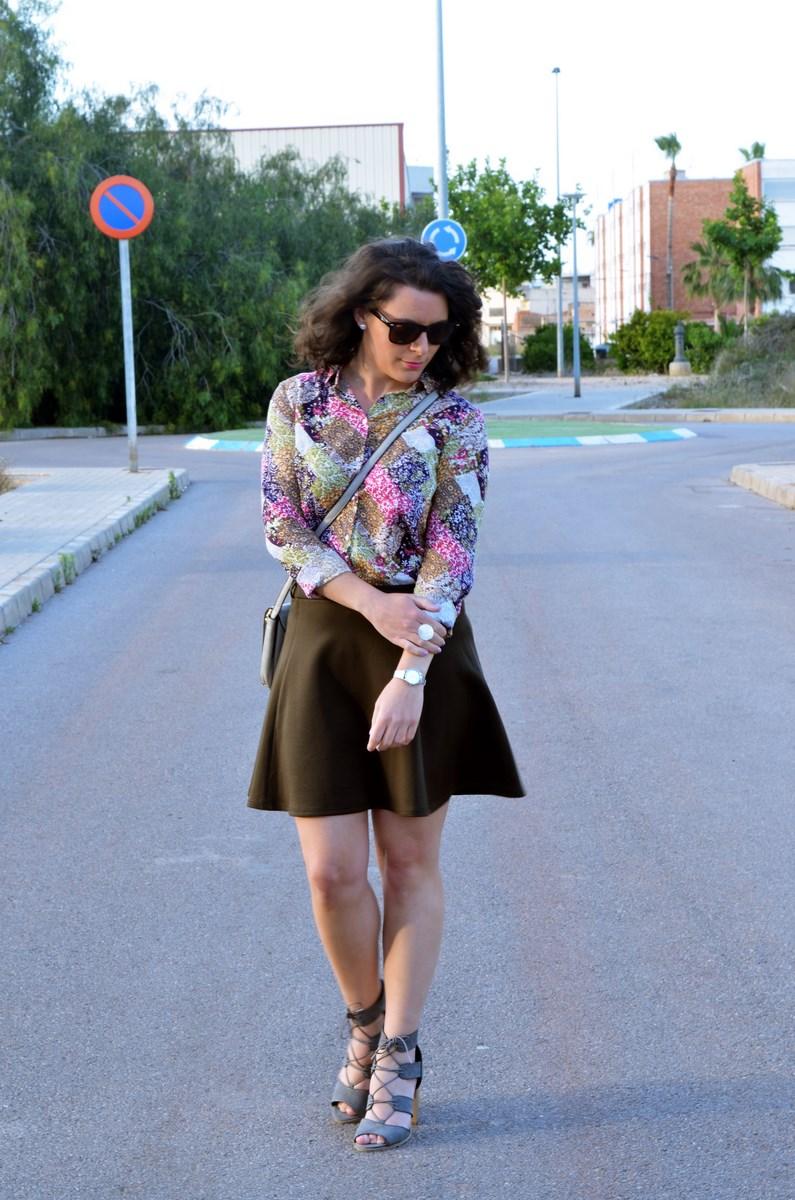 Verde caqui y gris_outfit_mivestidoazul (7)
