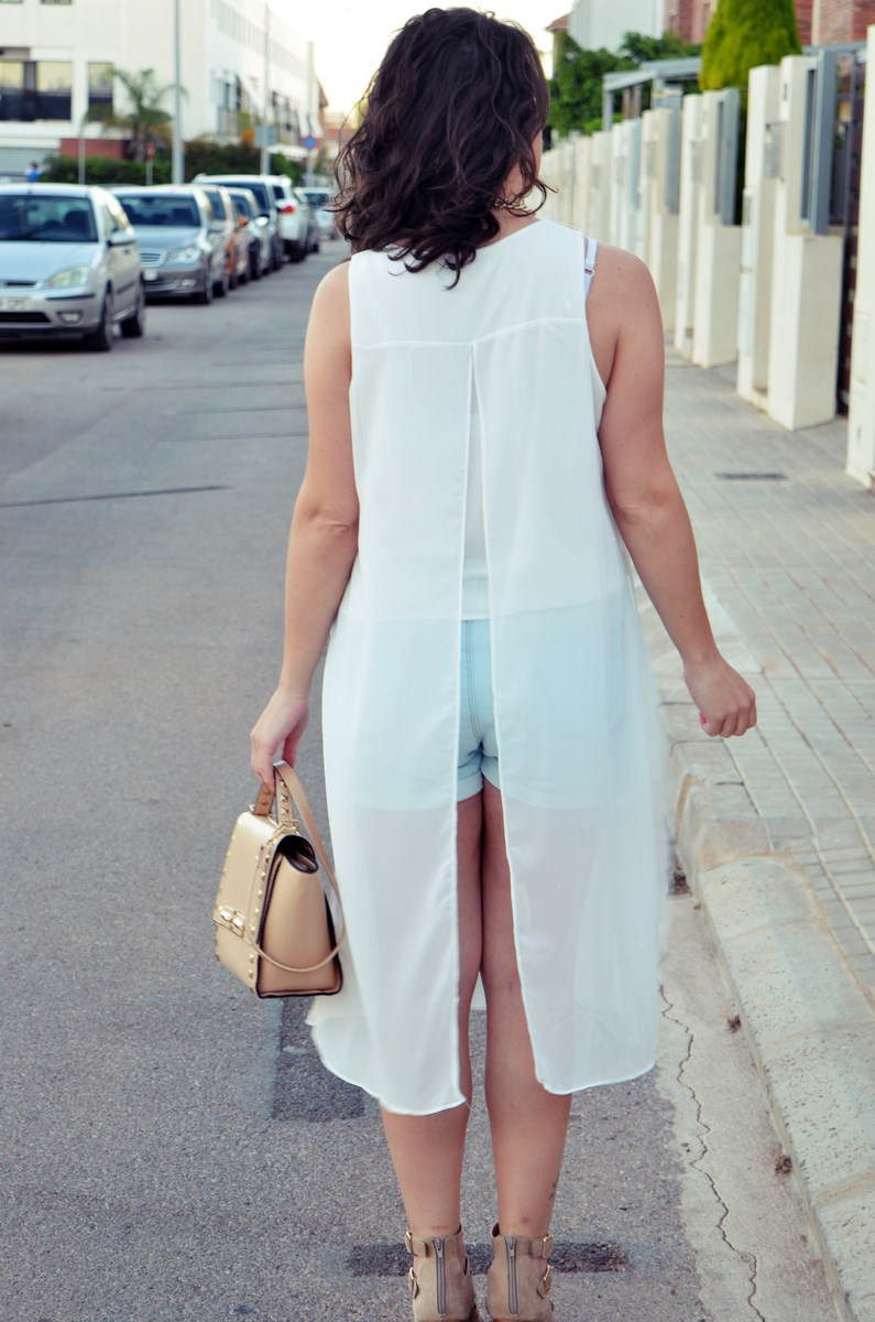 Blusa larga y shorts Outfit Mi vestidoazul Fashion blogger Friendsfluencers (11)