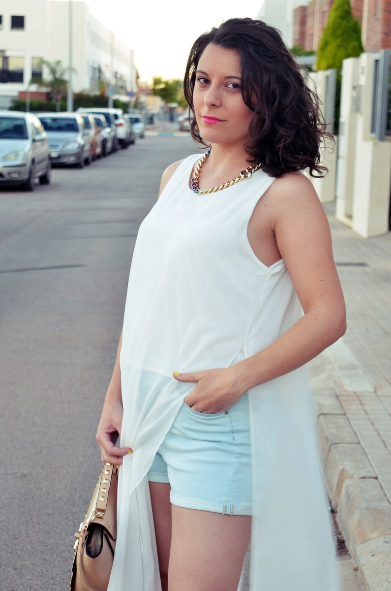 Blusa larga y shorts Outfit Mi vestidoazul Fashion blogger Friendsfluencers (14)