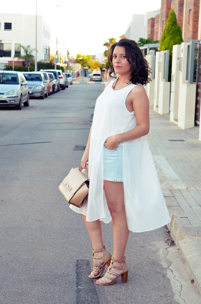Blusa larga y shorts Outfit Mi vestidoazul Fashion blogger Friendsfluencers (6)