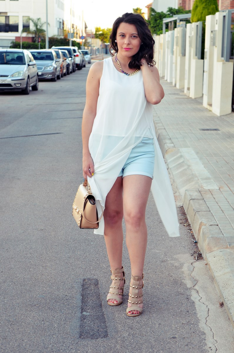 Blusa larga y shorts Outfit Mi vestidoazul Fashion blogger Friendsfluencers (7)