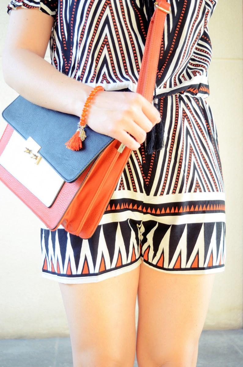 Mono corto_naranja, blanco y negro _outfit_mivestidoazul (10)