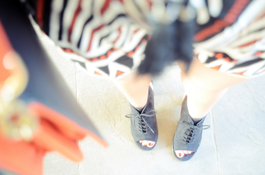 Mono corto_naranja, blanco y negro _outfit_mivestidoazul (18)
