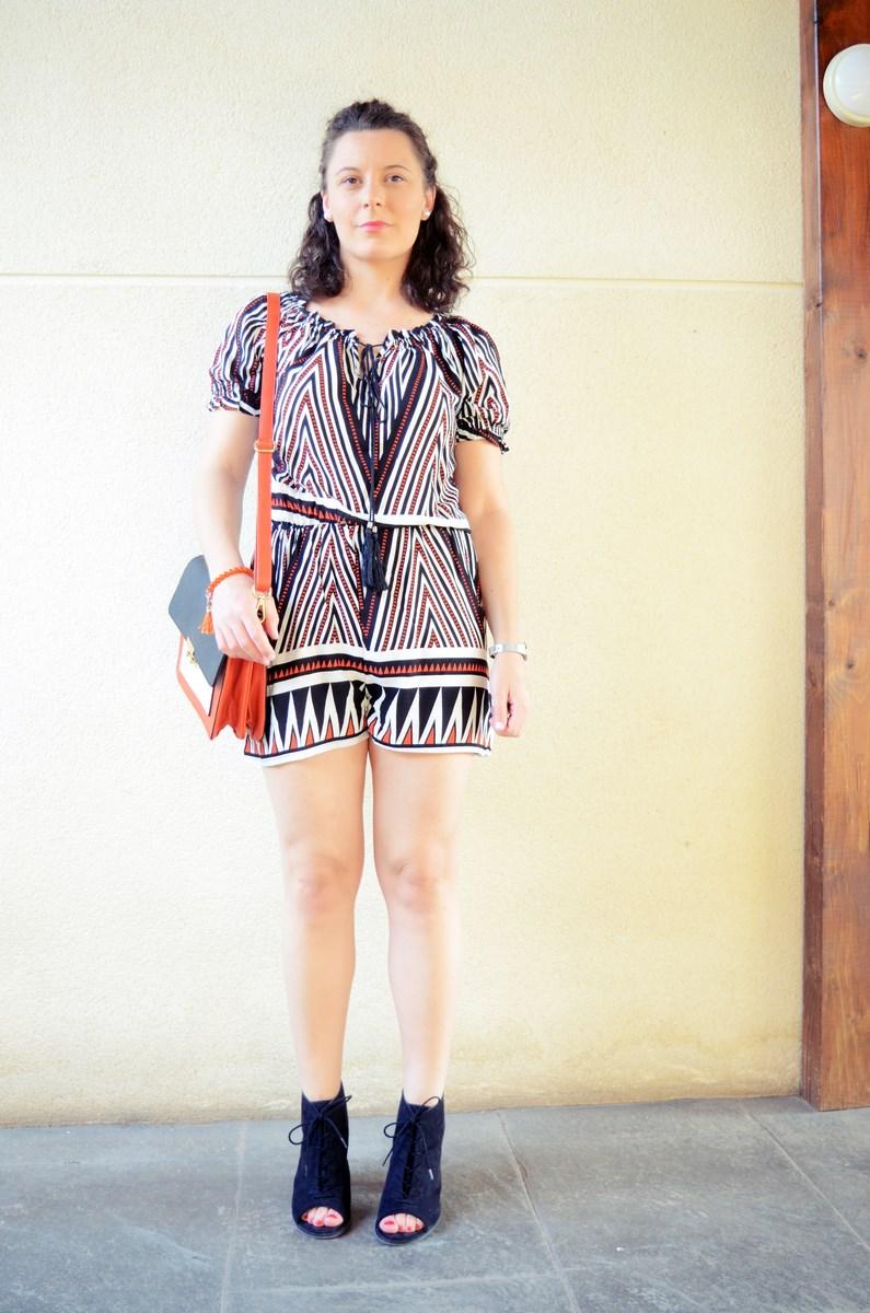 Mono corto_naranja, blanco y negro _outfit_mivestidoazul (3)