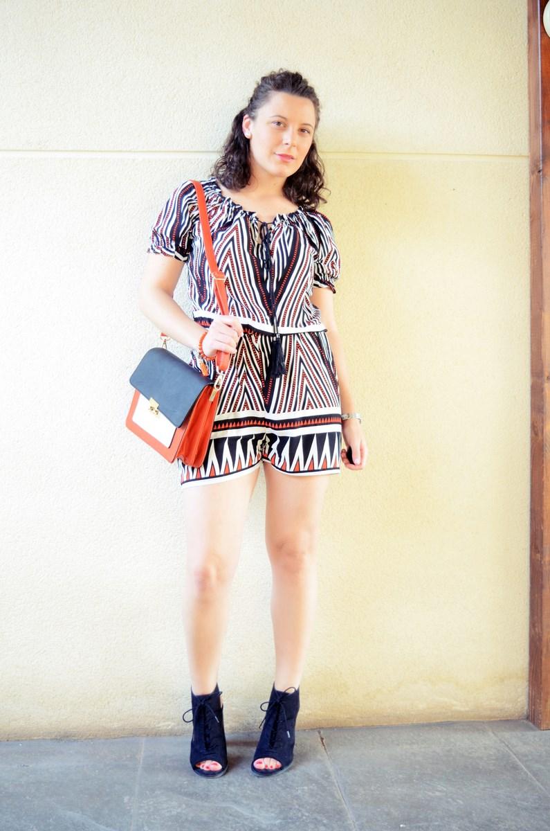 Mono corto_naranja, blanco y negro _outfit_mivestidoazul (5)