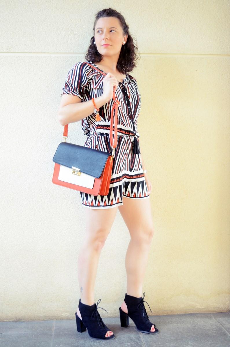 Mono corto_naranja, blanco y negro _outfit_mivestidoazul (6)