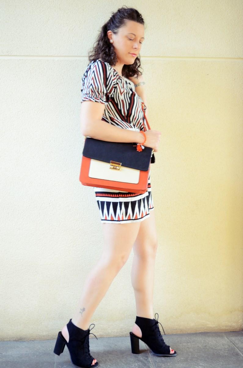 Mono corto_naranja, blanco y negro _outfit_mivestidoazul (9)