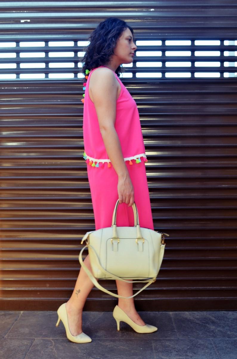 Vestido fucsia con borlas de colores_Outfit_Mivestidoazul (7)