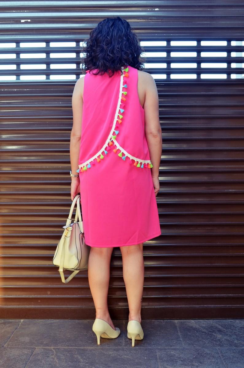Vestido fucsia con borlas de colores_Outfit_Mivestidoazul (8)