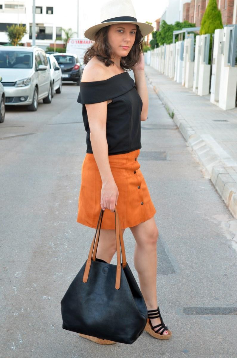 Falda abotonada y top escote bardot_look_mivestidoazul (3)