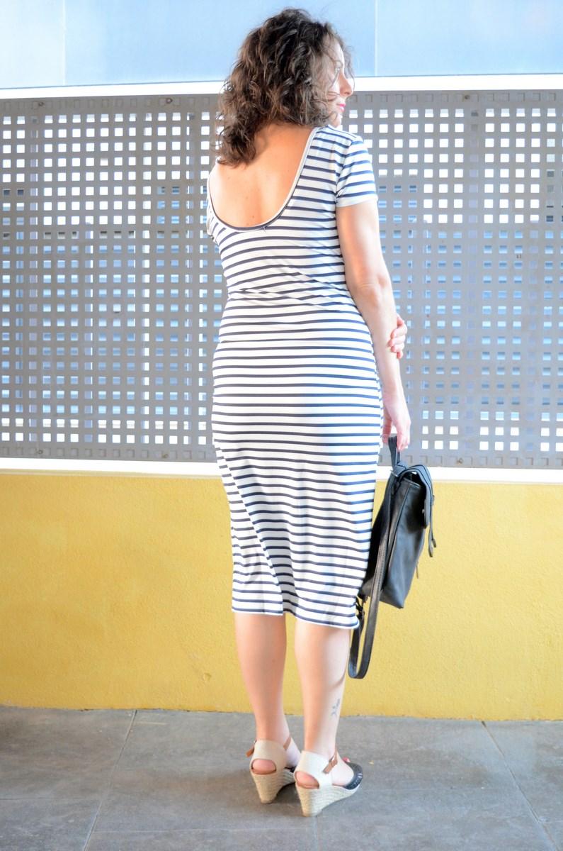 Otro maxi vestido de rayas_tendencias_,maxivestidos_streetstyle_fashionblogger_look_mivestidoazul (11)