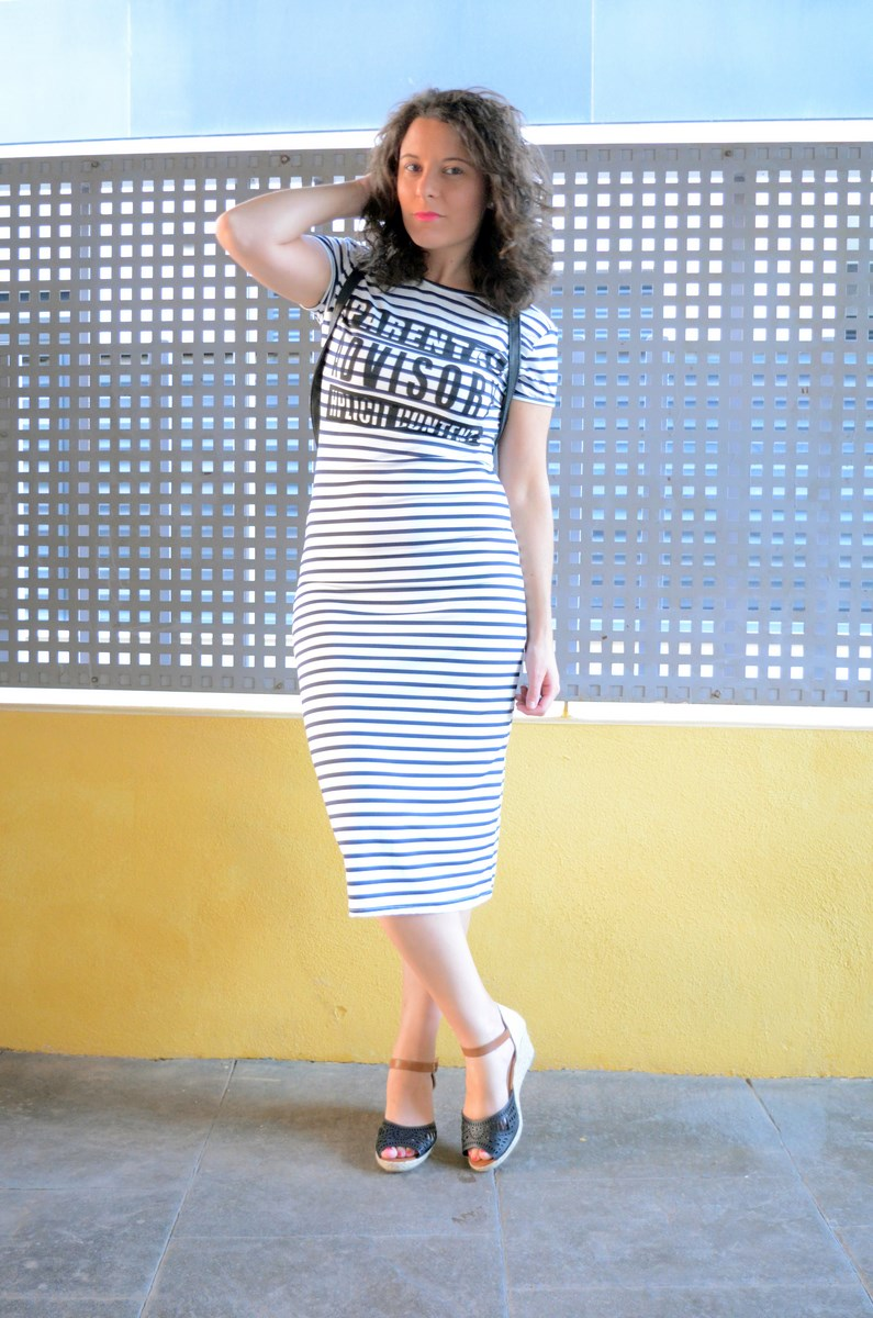 Otro maxi vestido de rayas_tendencias_,maxivestidos_streetstyle_fashionblogger_look_mivestidoazul (2)