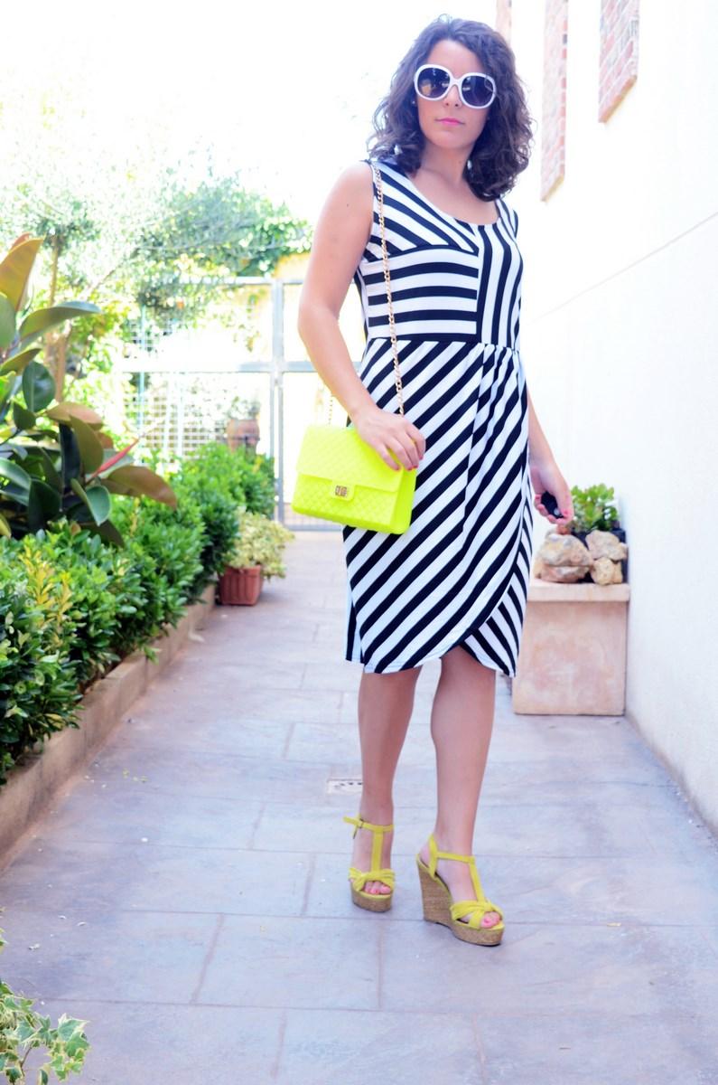 Vestido de rayas y amarillo fluor_looks_mivestidoazul (4)