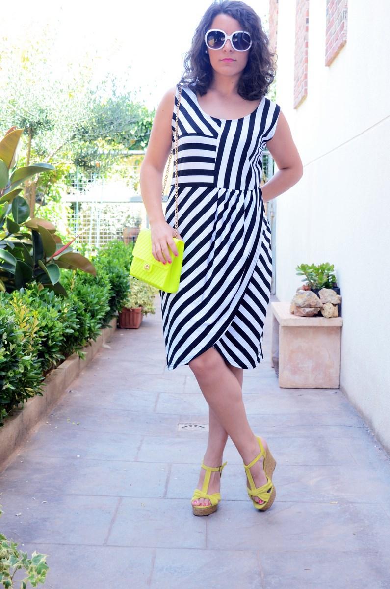 Vestido de rayas y amarillo fluor_looks_mivestidoazul (5)